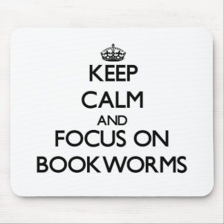 Guarde la calma y el foco en ratones de biblioteca alfombrillas de raton