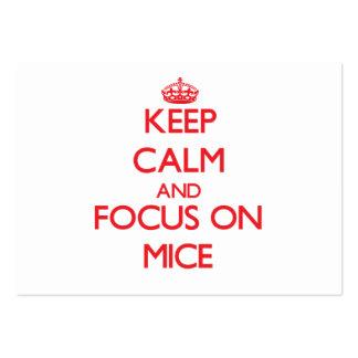 Guarde la calma y el foco en ratones plantillas de tarjetas de visita