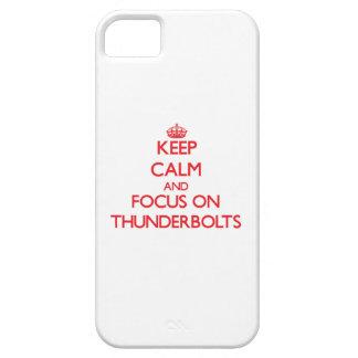 Guarde la calma y el foco en rayos iPhone 5 carcasas