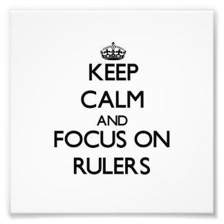 Guarde la calma y el foco en reglas fotografia