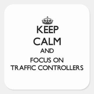 Guarde la calma y el foco en reguladores del pegatina cuadrada