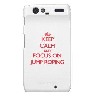 Guarde la calma y el foco en Roping del salto Droid RAZR Fundas