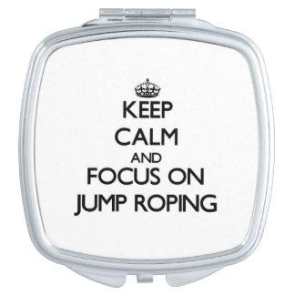 Guarde la calma y el foco en Roping del salto Espejo De Maquillaje
