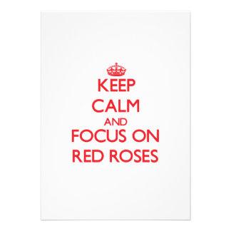 Guarde la calma y el foco en rosas rojos invitacion personal