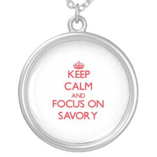 Guarde la calma y el foco en sabroso joyeria personalizada