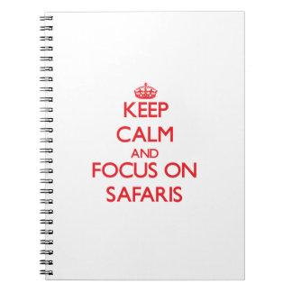 Guarde la calma y el foco en safaris cuadernos