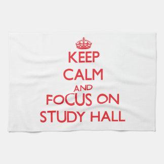 Guarde la calma y el foco en sala de estudio toalla