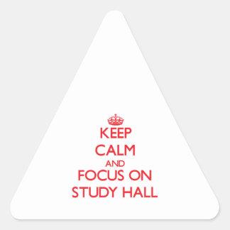 Guarde la calma y el foco en sala de estudio calcomanía de trianguladas