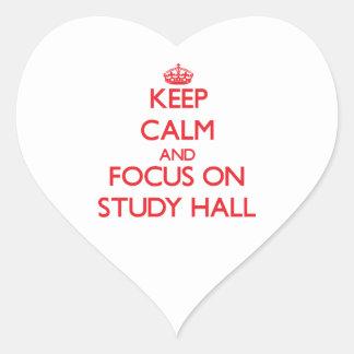 Guarde la calma y el foco en sala de estudio pegatina de corazon personalizadas