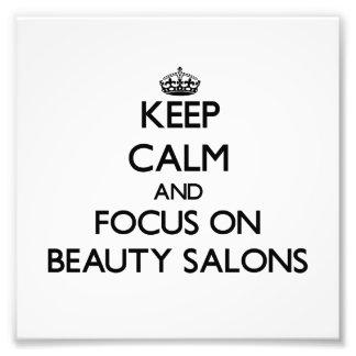 Guarde la calma y el foco en salones de belleza fotografias