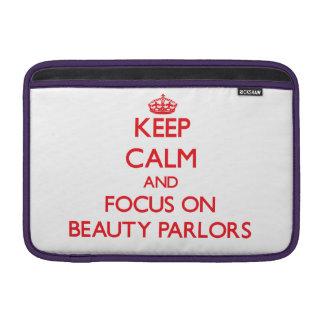 Guarde la calma y el foco en salones de belleza funda  MacBook