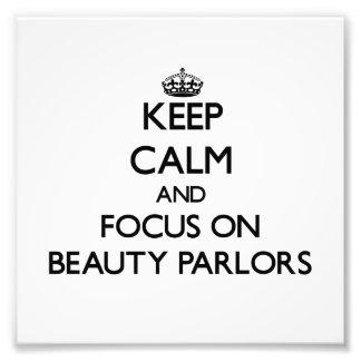 Guarde la calma y el foco en salones de belleza cojinete