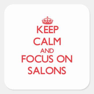 Guarde la calma y el foco en salones calcomanias cuadradas