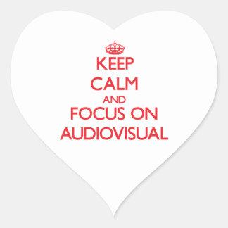 Guarde la calma y el foco en SECTOR AUDIOVISUAL Pegatina En Forma De Corazón