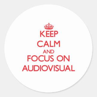 Guarde la calma y el foco en SECTOR AUDIOVISUAL Pegatina Redonda