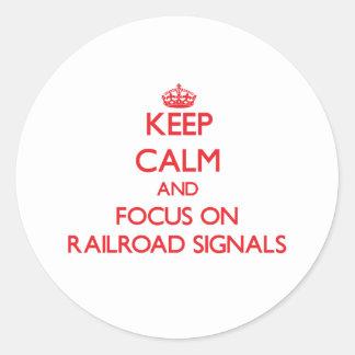 Guarde la calma y el foco en señales del pegatina redonda