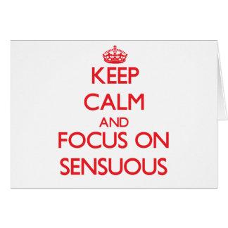 Guarde la calma y el foco en sensual tarjeta de felicitación