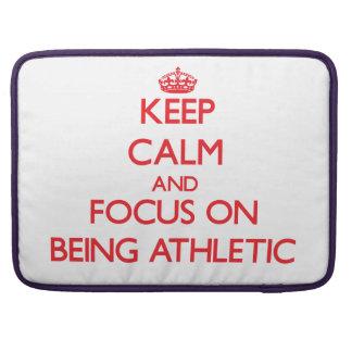 Guarde la calma y el foco en ser atlético funda macbook pro