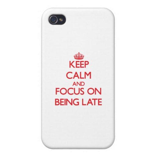Guarde la calma y el foco en ser atrasado iPhone 4 cárcasas