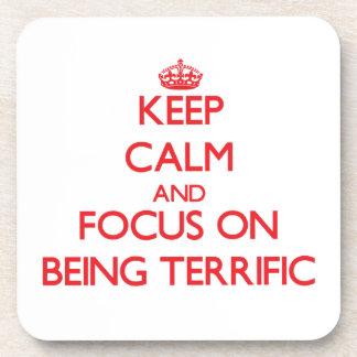 Guarde la calma y el foco en ser fabuloso posavasos