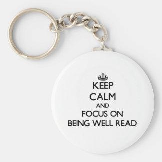 Guarde la calma y el foco en ser instruido llaveros personalizados