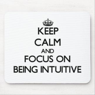Guarde la calma y el foco en ser intuitivo tapetes de ratón
