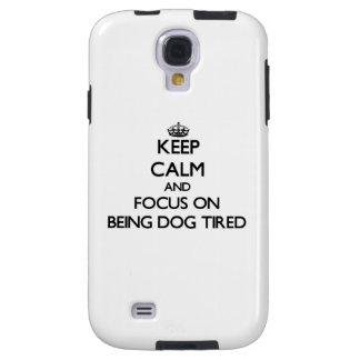 Guarde la calma y el foco en ser perro cansado