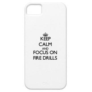 Guarde la calma y el foco en simulacros de iPhone 5 Case-Mate cárcasa