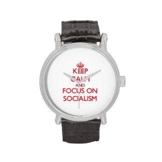 Guarde la calma y el foco en socialismo reloj
