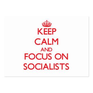 Guarde la calma y el foco en socialistas tarjetas de visita grandes