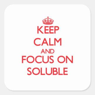 Guarde la calma y el foco en solubilidad pegatina cuadrada