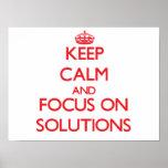 Guarde la calma y el foco en soluciones poster