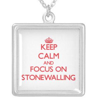 Guarde la calma y el foco en Stonewalling Collar Personalizado
