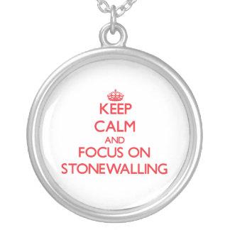 Guarde la calma y el foco en Stonewalling Joyeria Personalizada