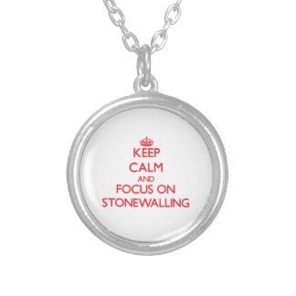 Guarde la calma y el foco en Stonewalling Collar