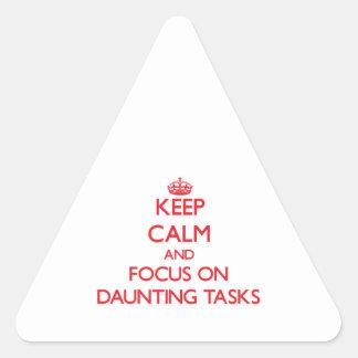 Guarde la calma y el foco en tareas de enormes pegatina trianguloada