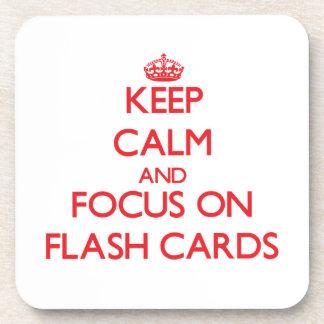 Guarde la calma y el foco en tarjetas flash posavasos de bebidas