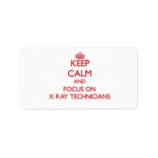 Guarde la calma y el foco en técnicos de la etiquetas de dirección