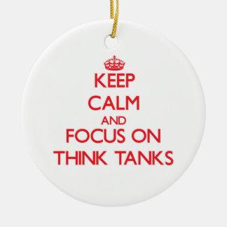 Guarde la calma y el foco en Think - los tanques Adorno Redondo De Cerámica