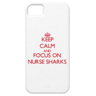 Guarde la calma y el foco en tiburones de enfermer iPhone 5 coberturas