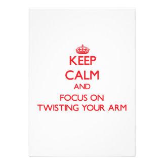 Guarde la calma y el foco en torcer su brazo invitacion personalizada