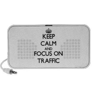 Guarde la calma y el foco en tráfico PC altavoces