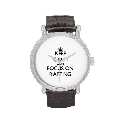 Guarde la calma y el foco en transportar en balsa relojes de pulsera
