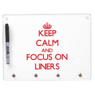 Guarde la calma y el foco en trazadores de líneas tableros blancos