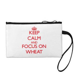 Guarde la calma y el foco en trigo
