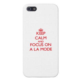 Guarde la calma y el foco en UN MODO del LA iPhone 5 Carcasa