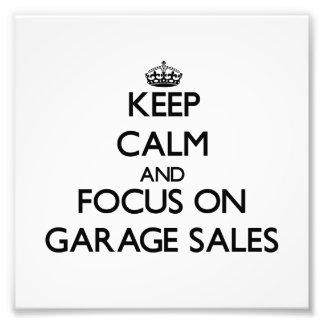 Guarde la calma y el foco en ventas de garaje foto