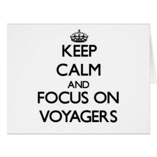 Guarde la calma y el foco en viajeros felicitacion