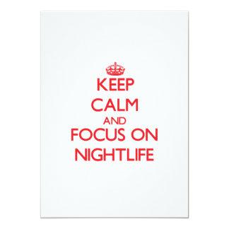 Guarde la calma y el foco en vida nocturna invitación 12,7 x 17,8 cm