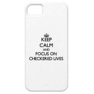 Guarde la calma y el foco en vidas a cuadros funda para iPhone 5 barely there
